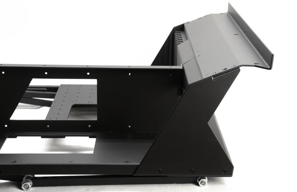 Projekt UDesk: tichý výkon – stůl se zabudovaným PC (I.)