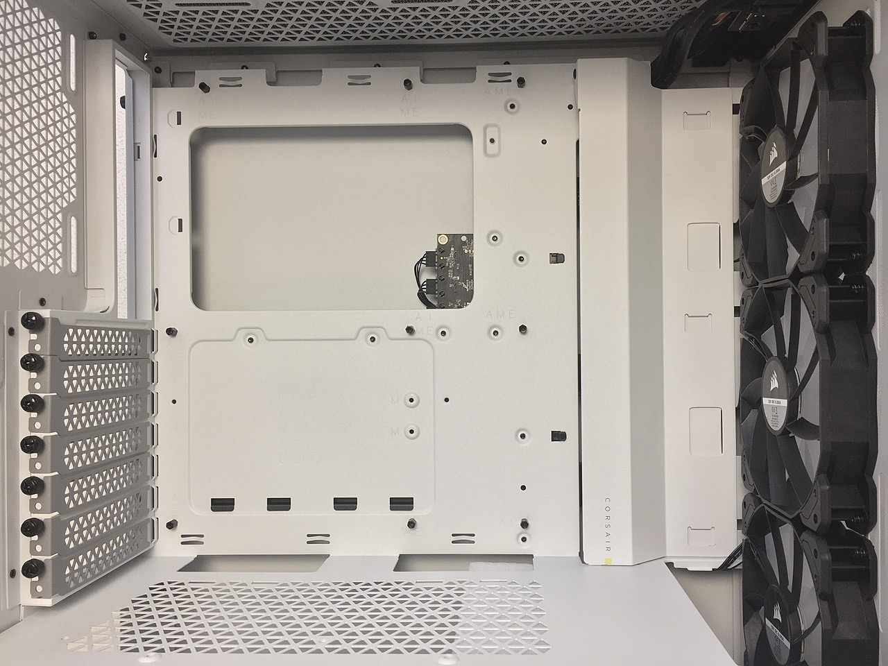Skříně Corsair 4000D AIRFLOW a iCUE 4000X RGB v testu