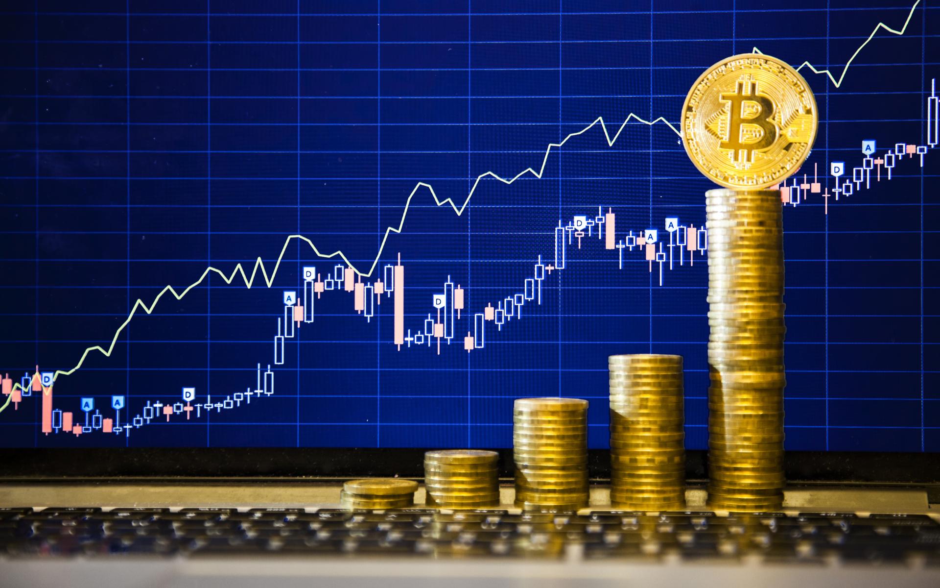 Bitcoinová raketa znovu zrychluje. Brzy může padnout rekord