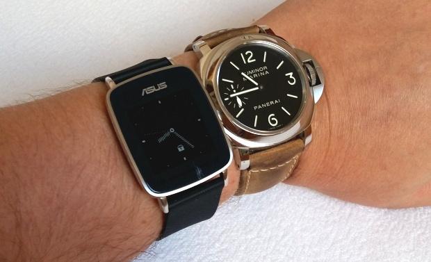 Srovnání Asus VivoWatch s klasickými hodinkami velikosti 44