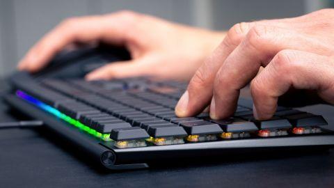 Cherry představuje aktualizovanou nízkoprofilovou klávesnici MX 10.0N RGB