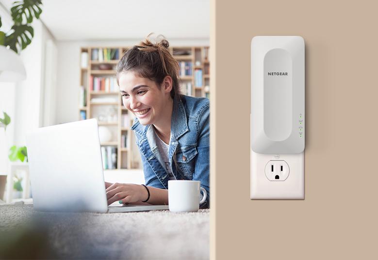 Extender Netgear EAX15 zajistí spolehlivé Wi-Fi 6 připojení napříč celou domácností