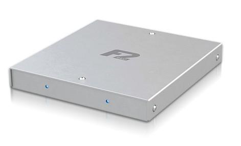 Fusion F2QR: Přenosný box se dvěma 1TB disky a RAID řadičem