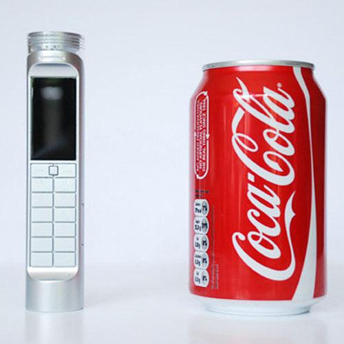Prototyp mobilu Nokia se dobíjí z Coca-Coly