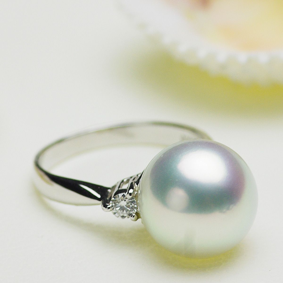 南洋白蝶真珠リング 約11.5mmの写真