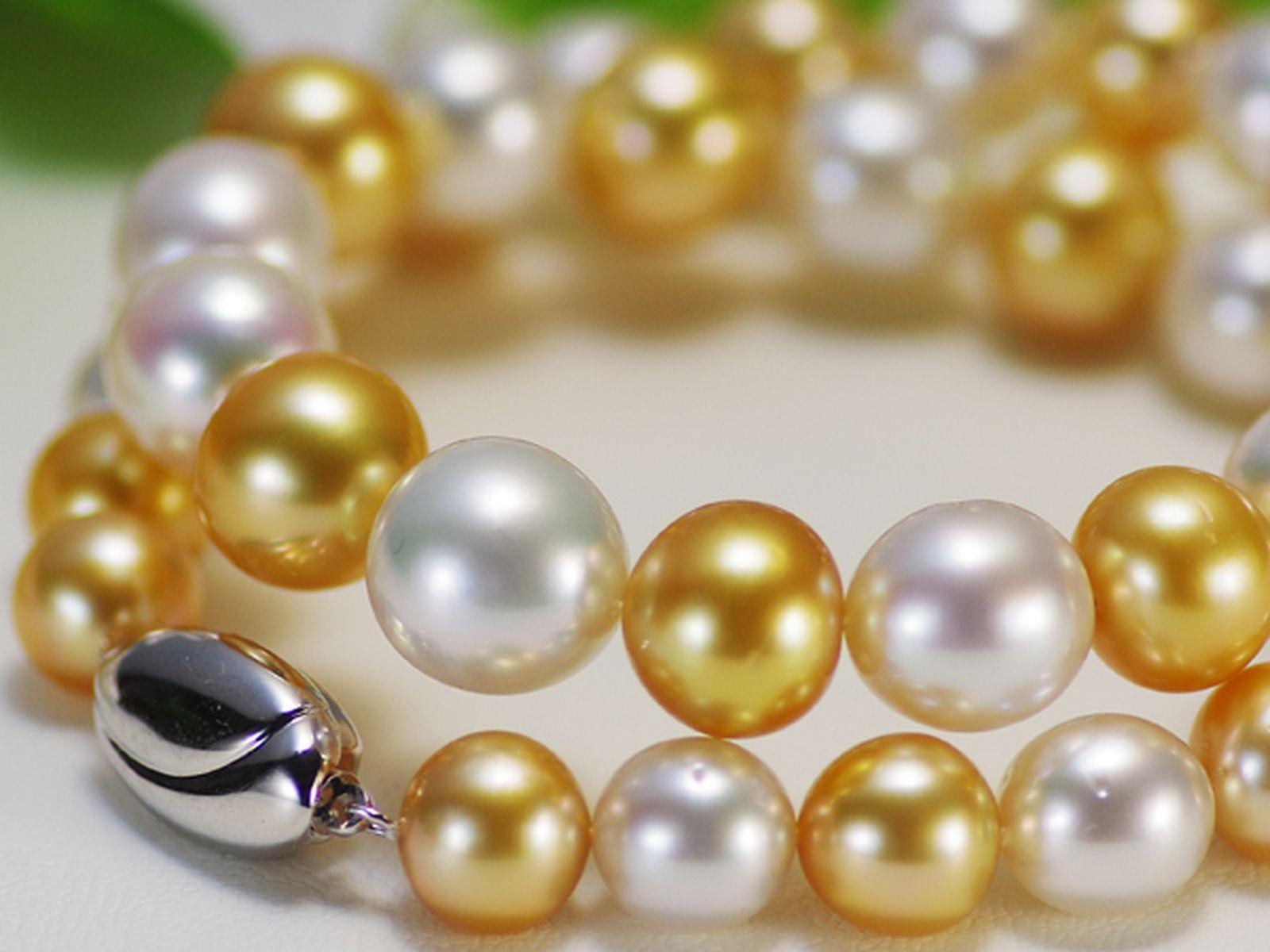 南洋白蝶真珠フォーマルネックレス 約10.0-13.0mmの写真