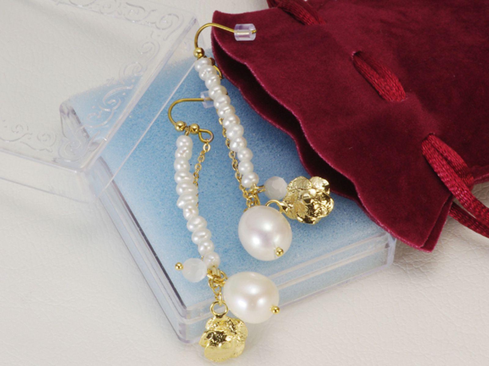 淡水真珠ピアス 約3.0mm・約8.0×10.0mmの写真
