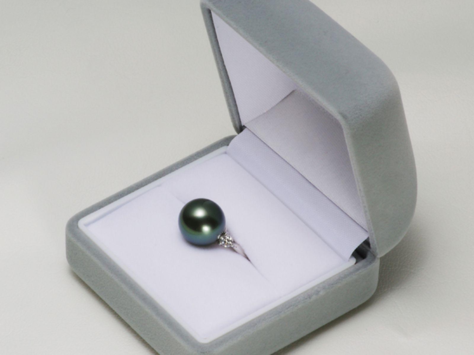 タヒチ黒蝶真珠 パール リング 約12.2mm プラチナ Pt900 ピーコックグリーンの写真