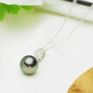 タヒチ黒蝶真珠ペンダント 約11mmの写真