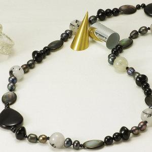 淡水真珠 パール ロングネックレス 約9.0mm 黒染 ライス アウトレット の写真