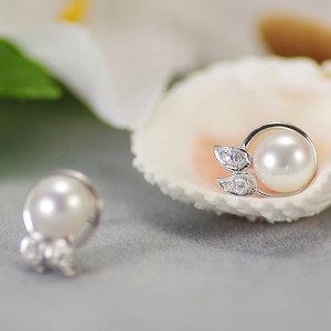 淡水真珠ピアス 約6.0mmの写真