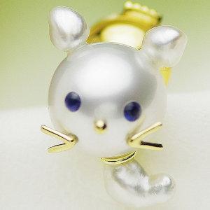 南洋白蝶真珠ブローチ 約15mm×12mmの写真