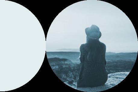 woman-looking-to-horizon