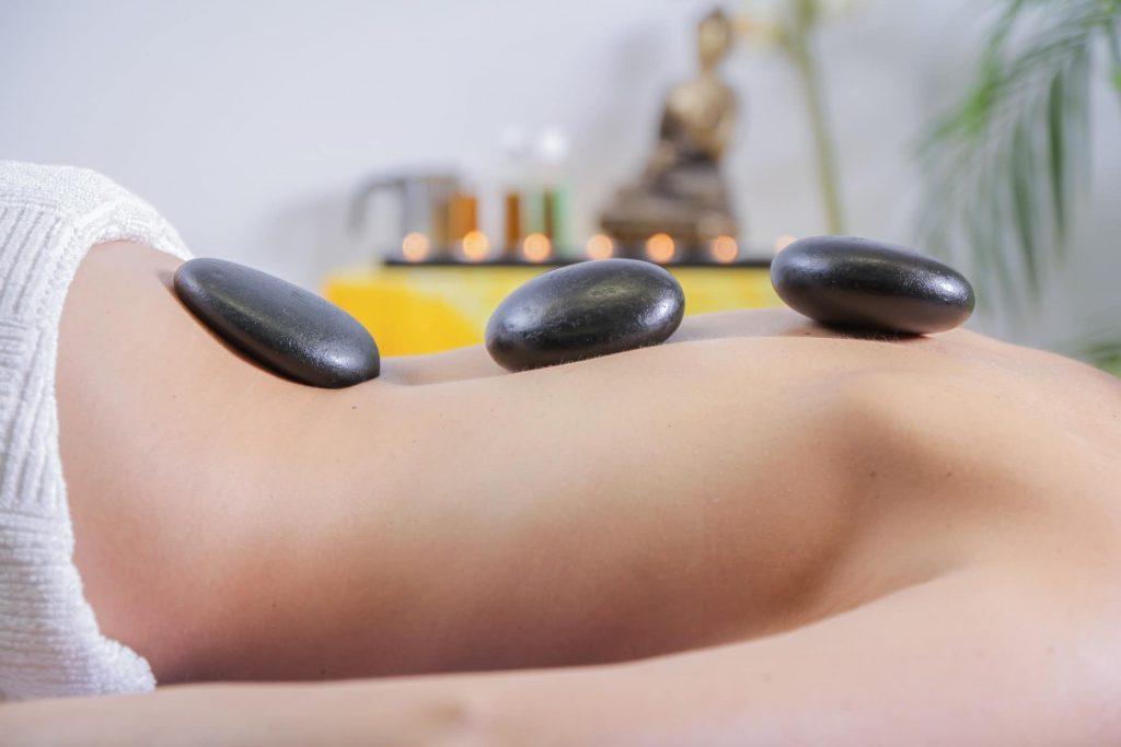 La réflexologie pour diminuer les douleurs de dos