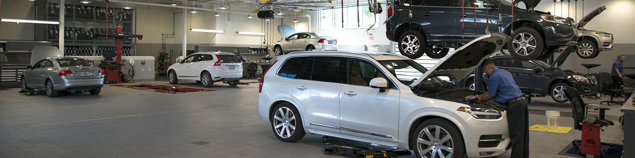 Volvo Cars of Naples - Service Bay