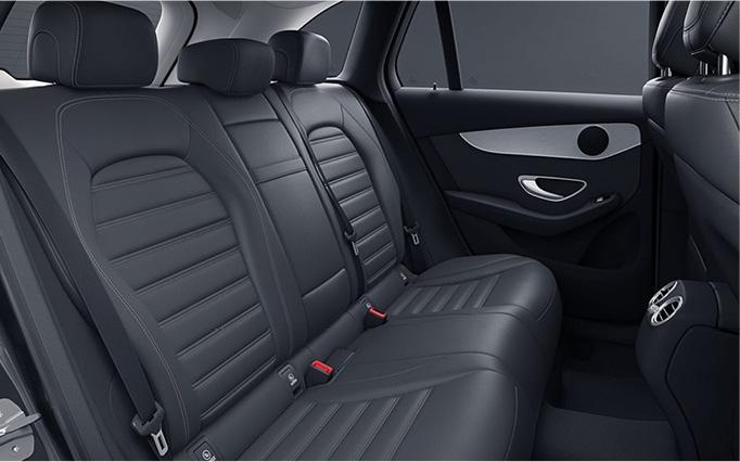40/20/40 Split Rear Seats