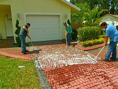 24 awesome diy driveway projects let the diynetwork experts demonstrate how to use cobblestone paver systems to transform a tired old driveway into an old world work of art solutioingenieria Image collections