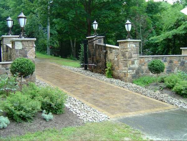 24+ Inspiring Ideas for Your Driveway Project