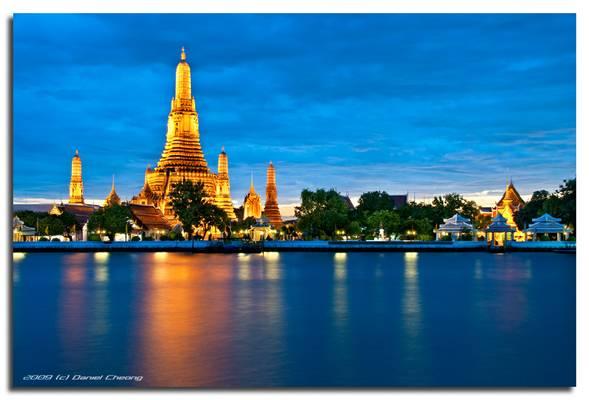 Wat Arun - Gold & Blue