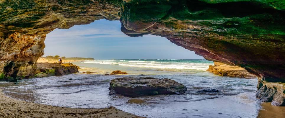 Cave's Beach