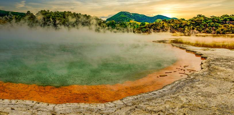 Wai-O-Tapu Geothermal Park - Rotorua, New Zealand