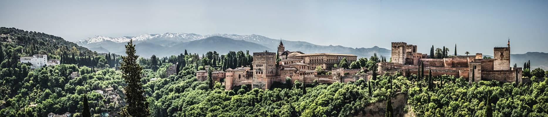 Panorámica clásica de la Alhambra de Granada