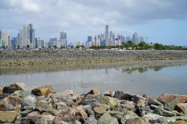 Cinta Costera III & Panama City skyline