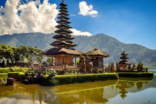 Bali - Ulun Danu Water Temple