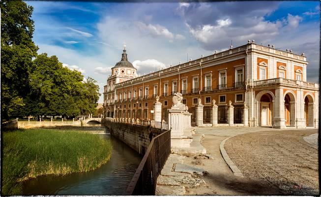 rio tajo, a su paso por el palacio de aranjuez.