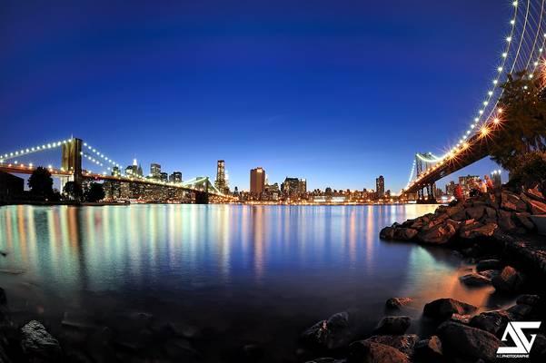 Between Manhattan And Brooklyn Bridges