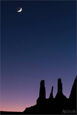 Moonrise over Monument Valley, USA