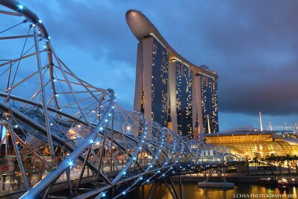 Helix bridge @ dusk