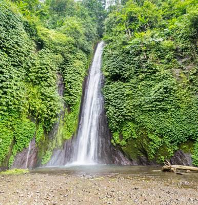 Mudak Waterfall