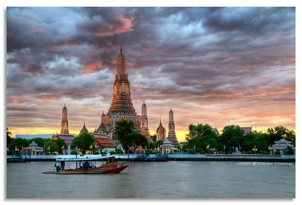Dusk on Wat Arun
