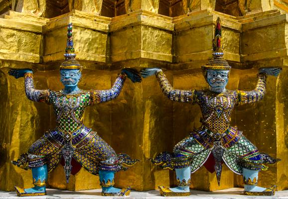 Guards at Wat Phra Kaeo
