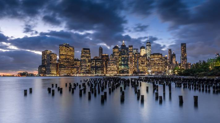 Manhattan over the poles of Old Pier 1