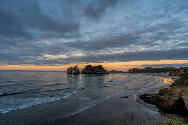 Wharariki beach and Arches