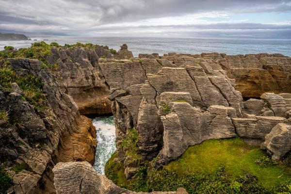 Pancake Rocks, NZ (42mpix)