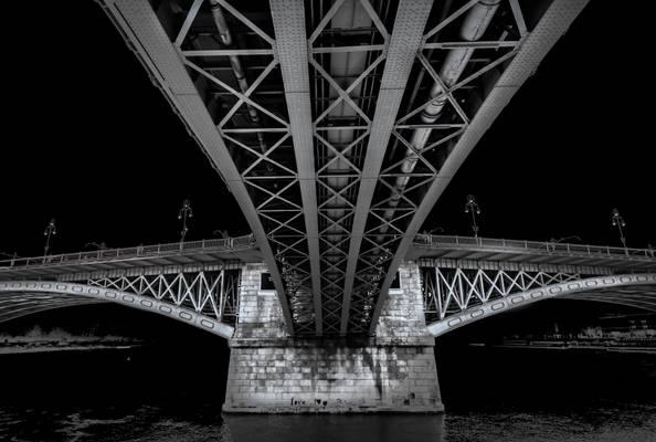 Margaret Bridge B/W