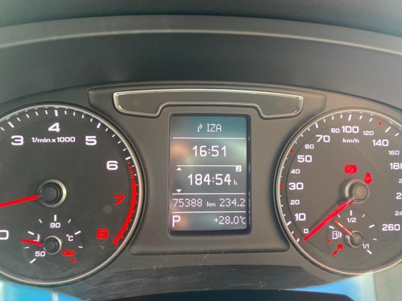 AUDI Q3 2.0 TFSI AMBIENTE QUATTRO 4P GASOLINA S TRONIC