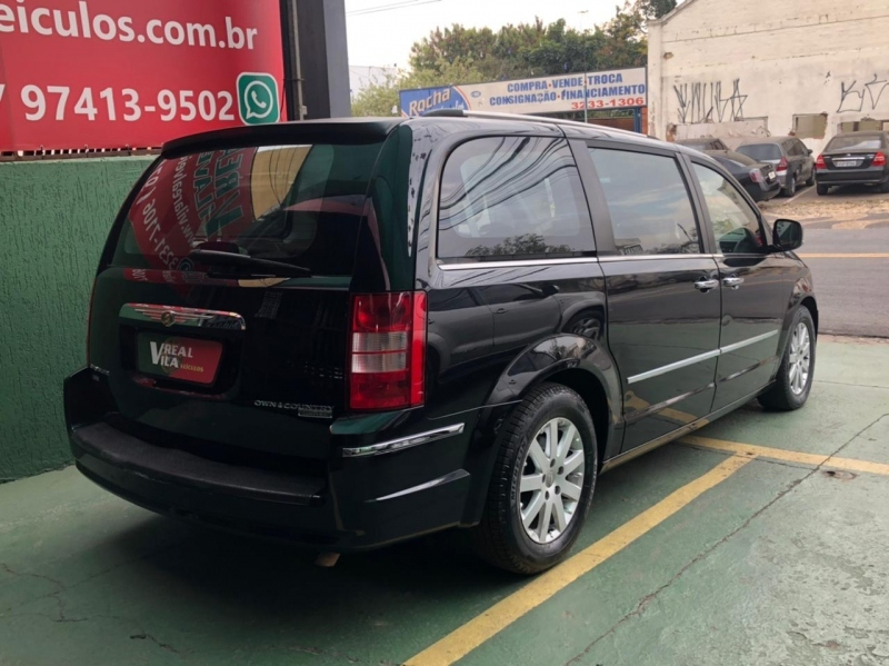 CHRYSLER TOWN COUNTRY LIMITED 3.8 V-6 4X4