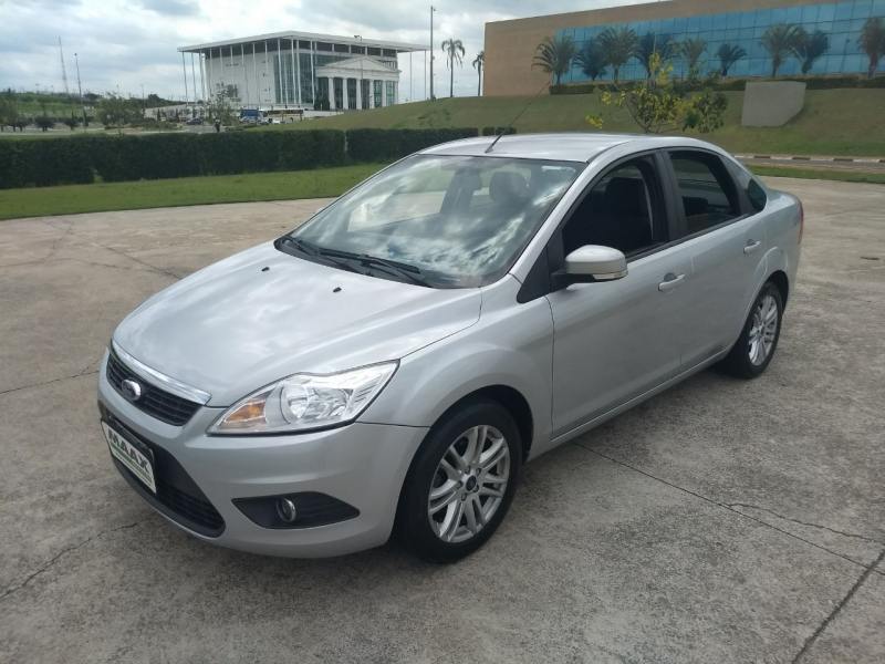 FORD FOCUS 1.6 GLX SEDAN 16V FLEX 4P MANUAL