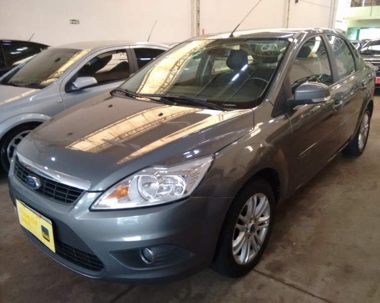 FORD FOCUS SEDAN GLX PLUS(KINETIC)2.0 16V(FLEX)