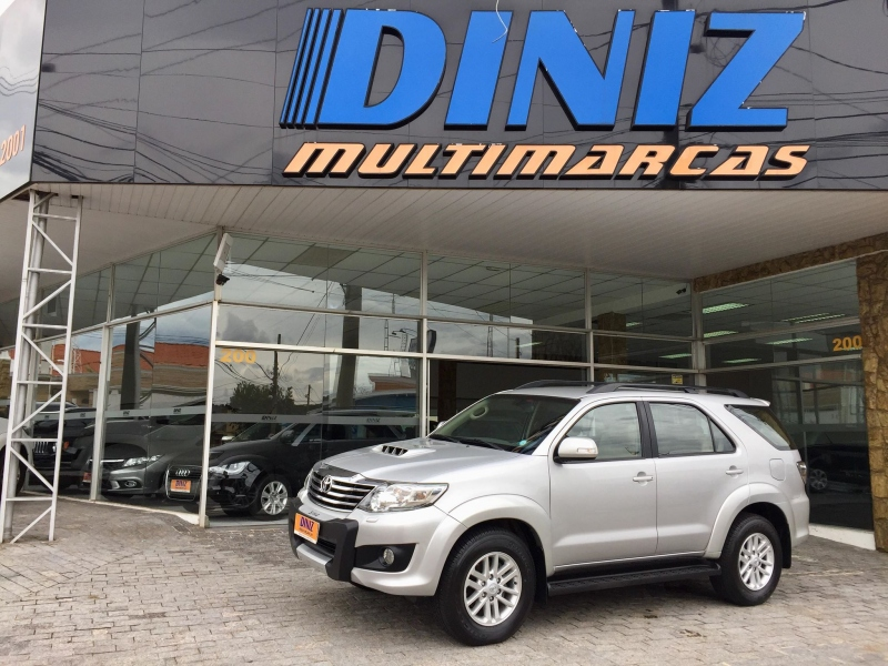 TOYOTA HILUX SW4 3.0 SRV 4X4 7 LUGARES 16V TURBO INTERCOOLER DIESEL 4P AUTOMATICO