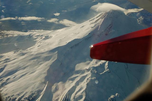 North-east ridge of Mount Hood from N737JW