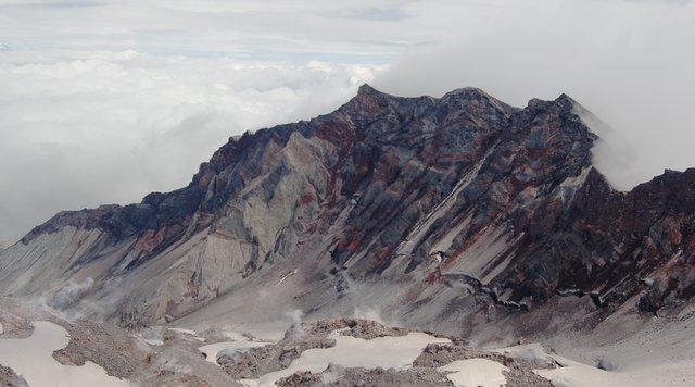 Mount St. Helens crater rim