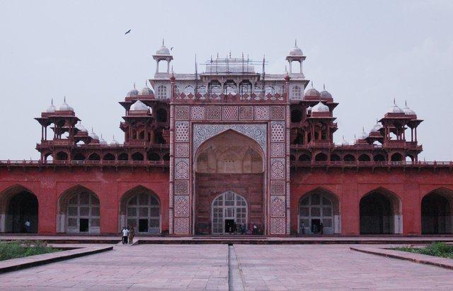 Main building of Akbar's Tomb