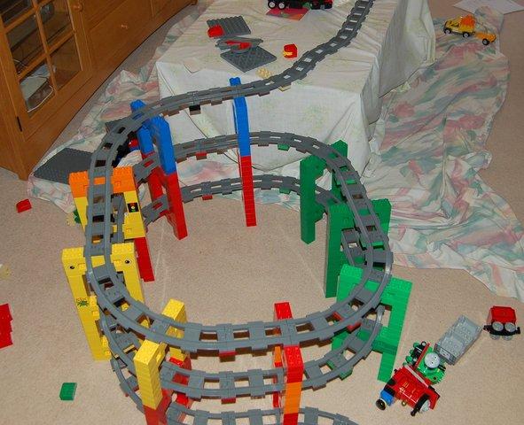 Jaeger's triple spiral Duplo train track