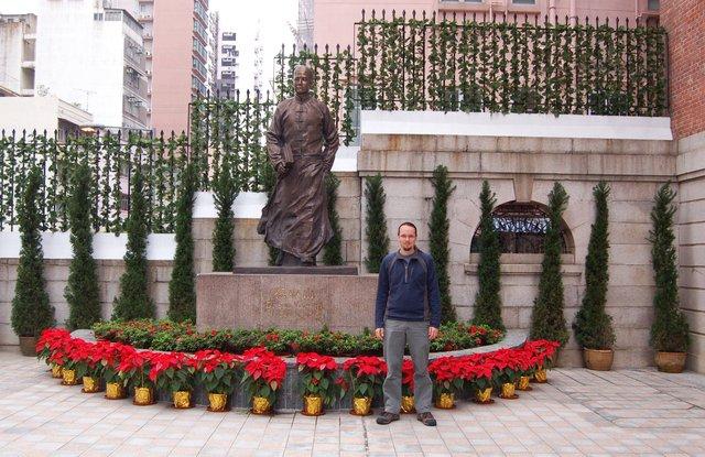 Jaeger in front of Dr. Sun Yat-sen