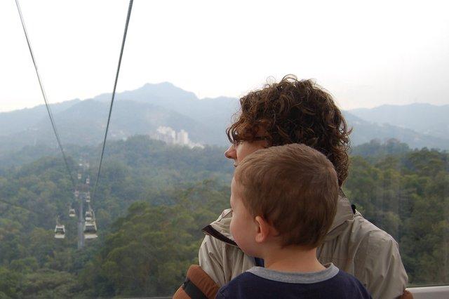 Kiesa and Calvin ride the Maokong Gondola